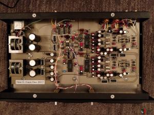 1793281-monarchy-audio-model-22a-dac-2-x-burr-brown-pcm63-k-grade-multibit-r2r.jpg