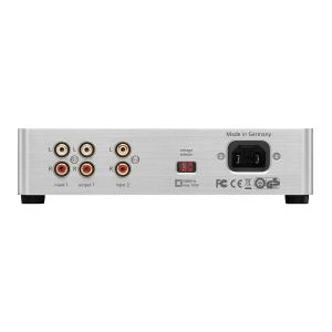 PIC_beyerdynamic-Kopfhoererverstaerker-headphone-amp-A2_14-02_amp-connections-back_.jpg